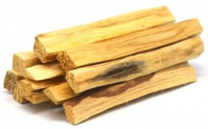 palo-santo-legno-santo-in-legno-1-legnetto